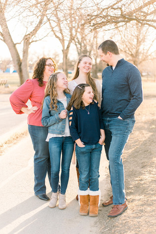 Indy Family Photographer | Franklin, Indiana |Early Spring Family Portraits | Gruening Family