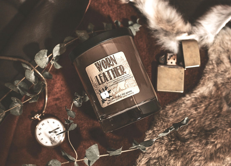 Leather scented candle. Saddles, suede, leather jacket.