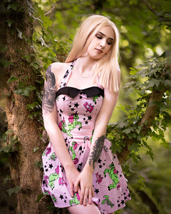 Glamour & Portrait Photography with Sammie in her pink unicorn dress deep in the woods. I am a Devon Photographer shooting on location and in my Devon Portrait & Glamour Photography Studio in Newton Abbot. I also cover the Exeter, Plymouth, Torquay and Torbay areas.