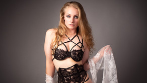 Amy - Glamour & Boudoir Photography