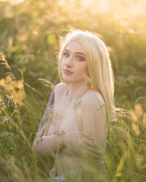 Natural Light Glamour Photography with Sammie in the golden hour