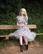 Glamour & Portrait Photography with sammie on the park bench