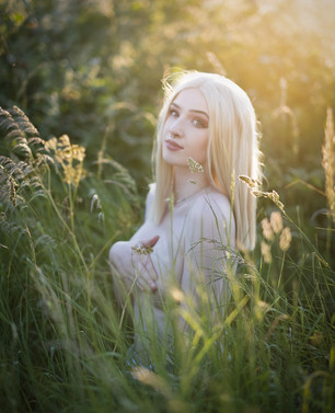 Natural Light Glamour Photography with Sammie in the setting sunlight