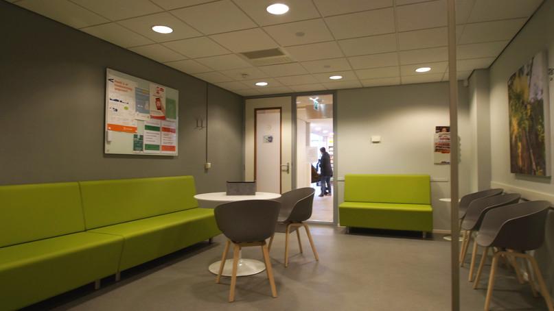 Meer zitplaatsen, rustige kleuren...