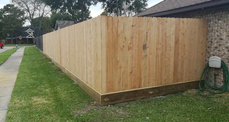 curved_fence.jpg
