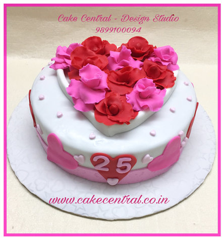 Heart & Roses Anniversary cakes for parents in Delhi NCR