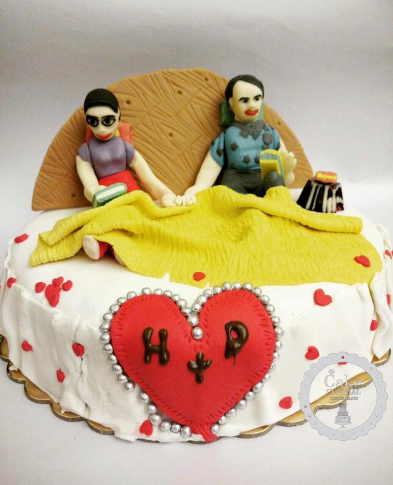 Anniversary Cakes Online In Delhi Romantic Wedding
