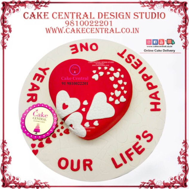 Red & White Heart Shaped Cake in Delhi Online