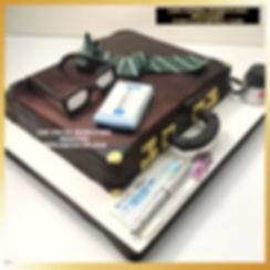 Banker Briefcase Cake in Delhi Online