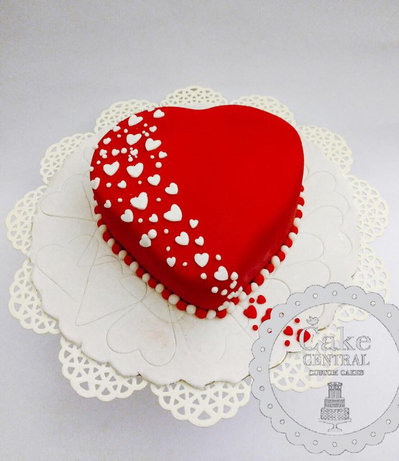 Heart Shaped Wedding Anniversary Cakes in Delhi NCR