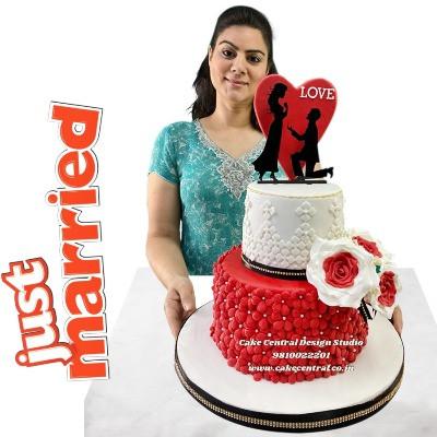 Order Romantic Wedding Cake in Delhi Online