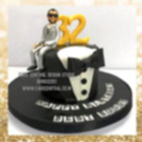 elegent_suite_tuxedo_cake_delhi