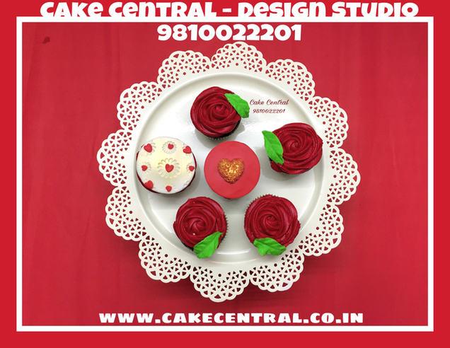 Customized Cupcakes in Delhi.Cake Central - Premier Cake Design Studio , New Delhi , Delhi