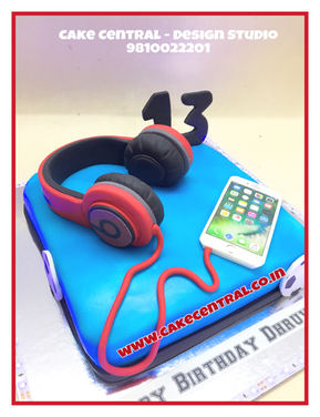 HeadPhone Music Cake | Online Cake Delivery Delhi , Gurgaon , Noida