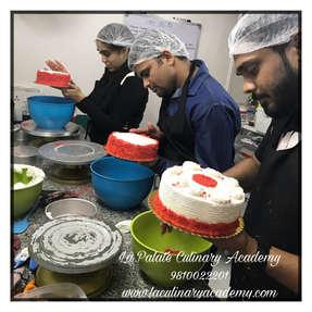 Baking Classes Delhi , Cake Deocration Classes Delhi , Cooking Classes Delhi , Baking Cooking & Courses Delhi .Learn to make Edible Figurines . Professional Baking Classes & Courses in Delhi ,Cookery Classes in Delhi  , Cake Decoration classes in Delhi , Sugar & Fondant Craft Classes in Delhi , New Delhi ,