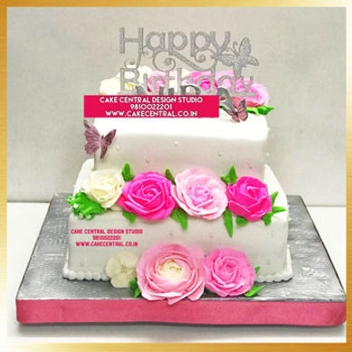 Rose Flowers Theme Birthday Cakes for Mom in Delhi Online