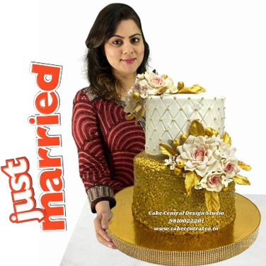 Order Luxurious Wedding Cake in Delhi Online