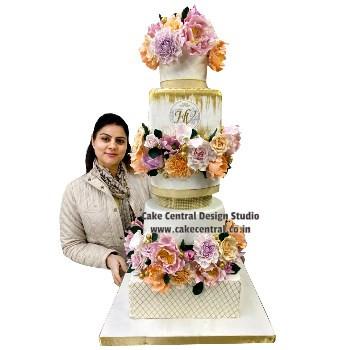 Luxurious Wedding Engagement Cakes Designs in Delhi