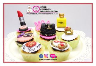 Jewelry/Make Up , Shopoholic Themed  personalized Cupcakes Delhi | Customized Cupcakes with Delivery Delhi, Gurgaon , Noida .Cake Central - Premier Cake Design Studio , New Delhi , Delhi