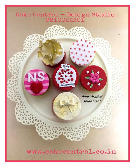 Customized Cupcakes in Delhi NCR Online.Cake Central - Premier Cake Design Studio , New Delhi , Delhi