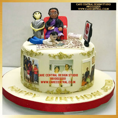 Grand Mom & Kids Cake Design in Delhi Online
