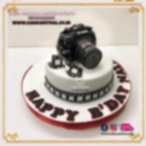 Camera_Photographer_Birthday_Cake_for_Husband_Delhi_Online