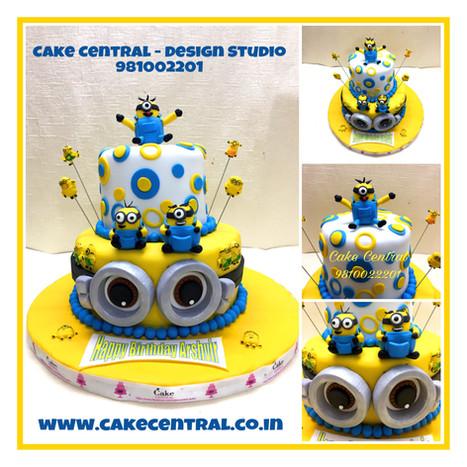3D Minions Cake in Delhi Online