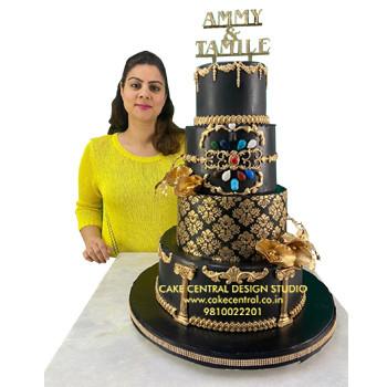 Black & Gold Wedding Cake in Delhi