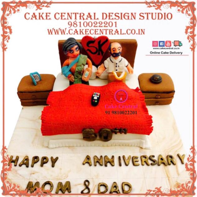 Bedroom Bed Cake for Parents Anniversary in Delhi Online