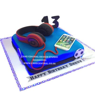 Beats Headphones Cake Design in Delhi