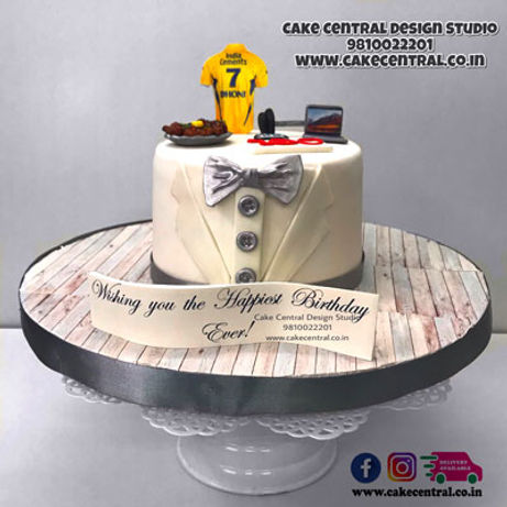 Smart_White_Tuxedo_Suit_Cake_Design_for_BF_Birthday_Delhi_Online