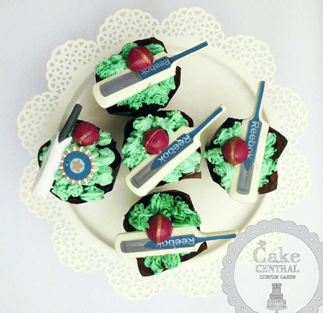 Cricket Themed Birthday CupCake By Cake Central - Premier Cake Design Studio . New Delhi