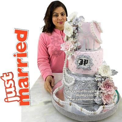 3 tier Elegent Wedding Cake in Delhi