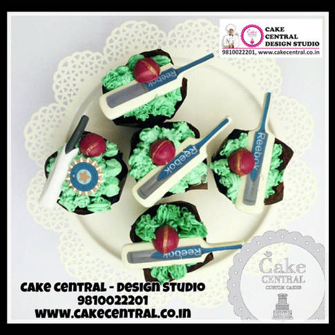 Cricket Bat Cup Cakes Delhi | Cricket Bat theme Cup Cakes Online with Delivery in Delhi , Gurgaon & Noida