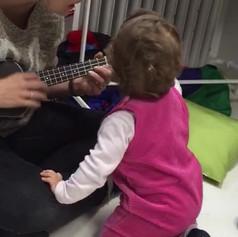 The hypnotic power of the ukulele