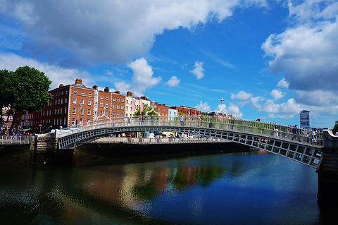 Ha'penny Bridge Over the River Liffey Dublin