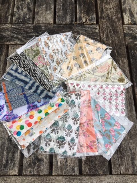 Face masks in cool cotton. Packs of 5.