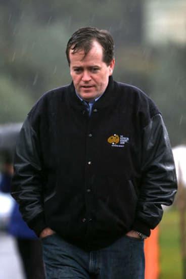 Shorten in the rain at Beaconsfield