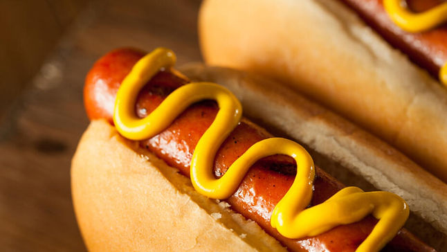 Grilled-Hot-Dogs-with-Mustard.jpg