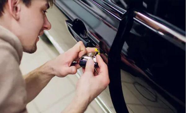 Renault locksmith london