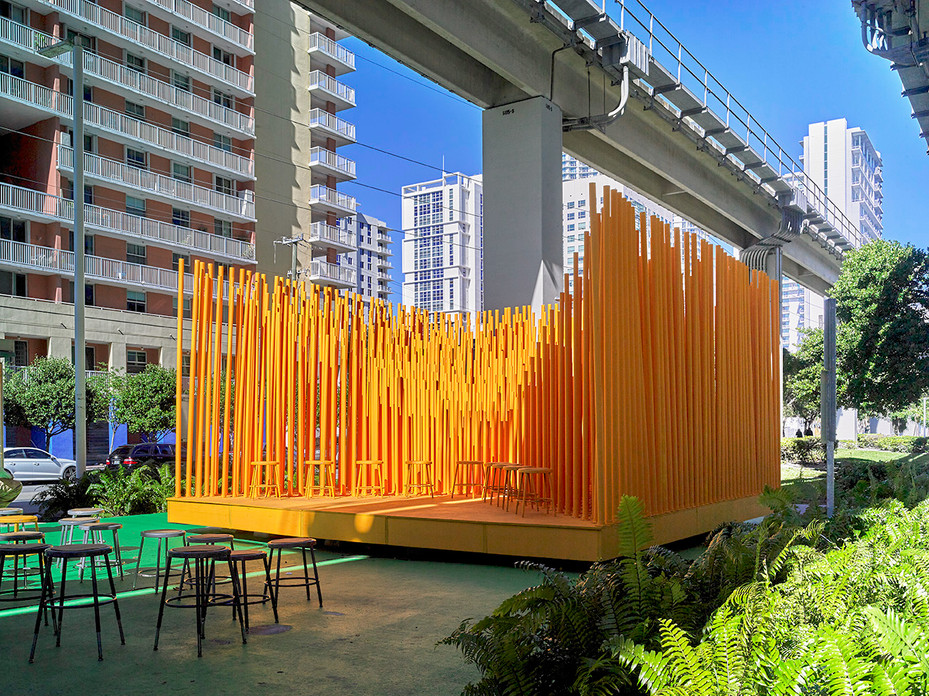 17-36 BRICKELL STAGE frontal view