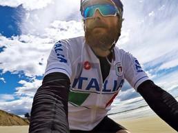 Jovanotti: «Il mio viaggio in bici in solitaria tra musica e pensieri»