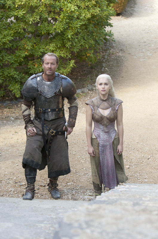 Game-of-Thrones_Iain-Glen-Emilia-Clarke-Quath-costume_Image-credit-HBO.jpg