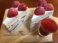02 สตรอเบอร์รี่ช๊อตเค้ก