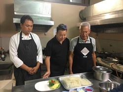 22 เข้าครัวไปดูการทำอาหาร