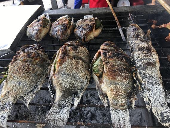 18 ปลาเผาหน้าร้าน