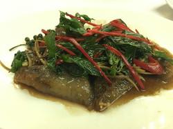 05 เนื้อปลาทะเลผัดฉ่า