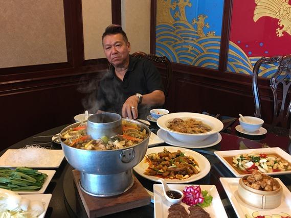 15 อาหารเต็มโต๊ะ