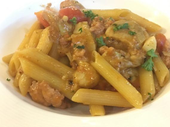 12 เพนเน่กับไส้กรอกอิตาเลี่ยนและเห็ดพอร์