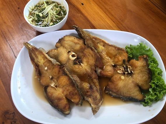 03 ปลาค้าวทอดน้ำปลา